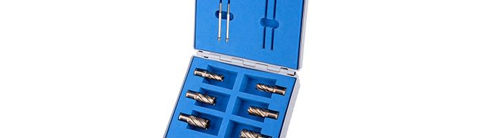 Karnasch Set BASIC, Gold-Drill Line30 6 HSS-XE ongecoate kernboor: snijlengte 30mm, weldonopname 19mm, van elk 2 Stk Ø 14, 18, 22mm, 2 uitwerpstiften 6,34x77mm BESTSELLER Art: 201967